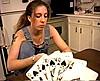 telecharger porno Deux jeunes lesbiennes font un strip poker