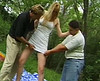 telecharger porno Un libertin baise avec un couple dans la nature