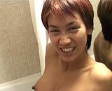 La sexy K.Sandra baisée dans la baignoire