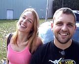video en allopass :  Couple amateur filmé en marge d'un salon érotique
