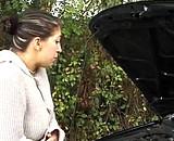 video en allopass :  Vieille bourge initie une jeune femme à gros seins