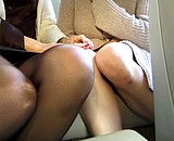 video en allopass :  Vieille bourge initie une jeune femme � gros seins
