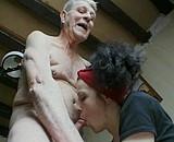 Grand-père donne des leçons très particulières... Video Sexdenfer