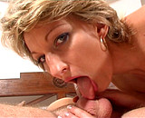 Une mère de famille tourne dans un porno ! Video Sexdenfer