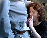 video en allopass :  Vieille se pisse dessus avant de se faire ramoner