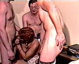 Télécharger porno Dans cette boîte, ils font tourner leur secrétaire