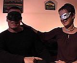 video en allopass :  On filme un couple libertin chez eux avec masque