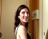 video en allopass :  Casting - Morgane se prend une double p�n�tration