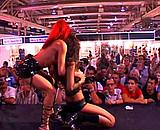 Téléchargement de Duo lesbien sur un salon érotique avec Angie Kiss