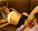 sexe Jeune de 18 ans prend des cours de Kamasutra