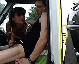 video en allopass :  Mature baisée par le chauffeur de la dépanneuse