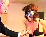 video en allopass :  Esclave baillonn�e et mordue par un homme violent