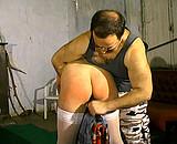 sexe Femme rousse dans une séance de sexe SM