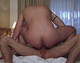sexe A l'hotel, deux beaux mecs se font l'amour