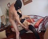 Télécharger porno La salope arabe qui s'éclate avec trois bisexuels