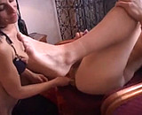 Telecharger video xxx : Une salope arabe avec ses amis bisexuels