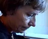 video en allopass :  Une demoiselle d�fonce sa belle m�re au strapon