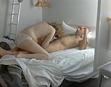 video en allopass :  Il baise sa vieille pute et lui gicle dessus
