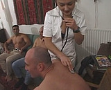 L' aide soignant se fait trouer par une bande de potes - Zlex.eu | Du sexe � volont�