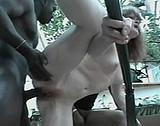 sexe Un black fait gémir deux bonnes salopes