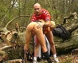 Téléchargement de Elle se fait tirer dans les bois