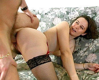 Sabrina Ricci filme un couple exhib chez eux 2