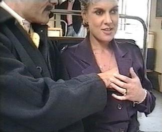 Sexe : Pipe dans le métro parisien !