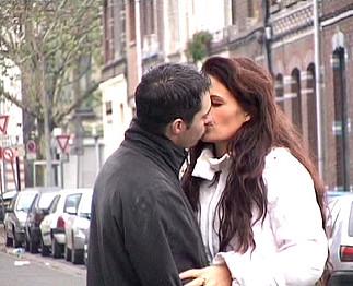 Sexe : Michael passe une journée avec Nina Roberts !!