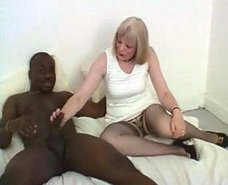 Femme de 50 ans baisée par un black Video Sexdenfer