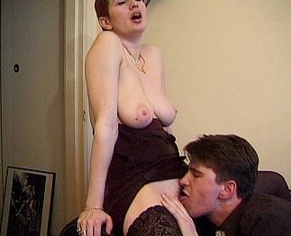 Deux couples �changistes passent � l'action !