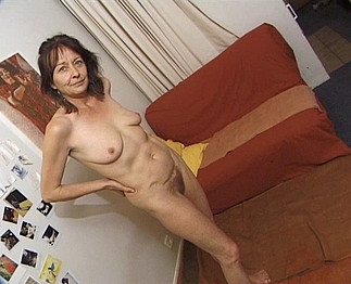  Casting d'une maman mature de 45 ans 