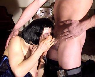 Marie Hélène (44 ans) a un faible pour les jeunots