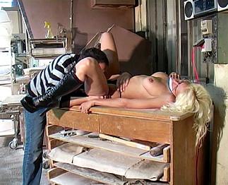 image La boulangere salope de mere en fille