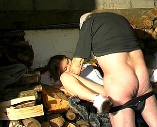 Partouze de  vieillard sur une jeune de 18 ans saoule - Zlex.eu | Du sexe � volont�