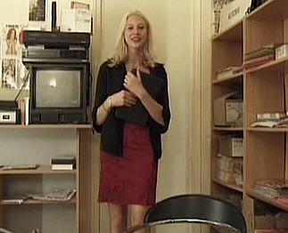 Elle allume le patron dans un entretien d'embauche