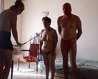 Téléchargement de Séance sado maso avec une mature pulpeuse