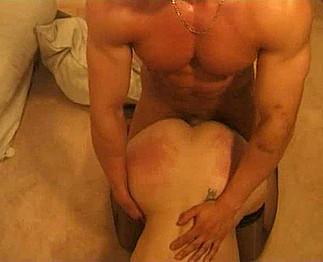 Prostituée beurette partouzée par ses clients