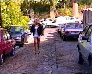 Téléchargement de Une touriste se fait draguer par un homme mûr
