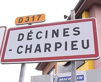 Téléchargement de Estelle Clark habite Décines-Charpieu (France)
