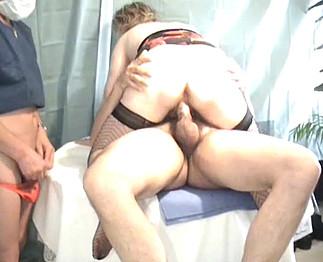 Gynéco pervers baise avec sa grosse cliente