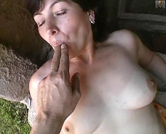 photo de trio présente dans la video sexe