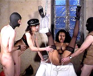 photo d'�jaculation faciale présente dans la video sexe amateur