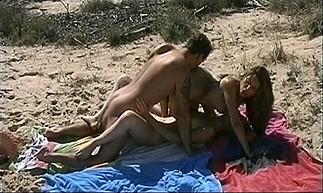 Sabrina Ricci sur la plage 5