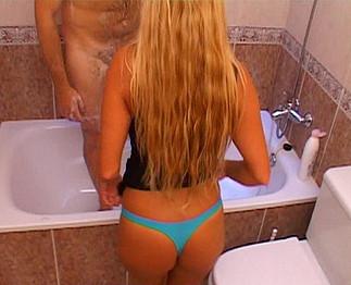 Video sous la douche porno sous la douche
