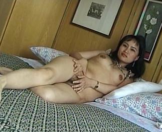 Femme d'affaire chinoise se doigte
