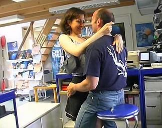 Vendeur baise sa maitresse dans la boutique