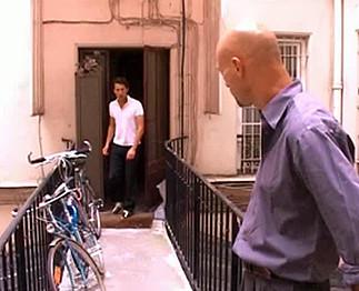 Téléchargement de Une chaude marocaine avec 2 hommes bisex