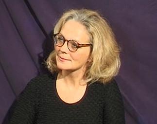 Femme à lunettes FEMME A LUNETTES