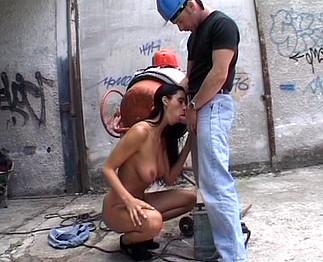 Lisa Sparkle baisée sur un chantier 1