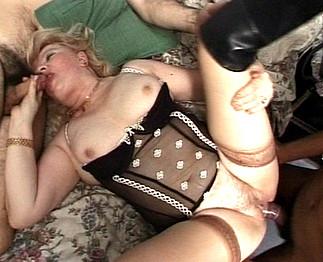 2 vieilles aux gros seins Video Sexdenfer